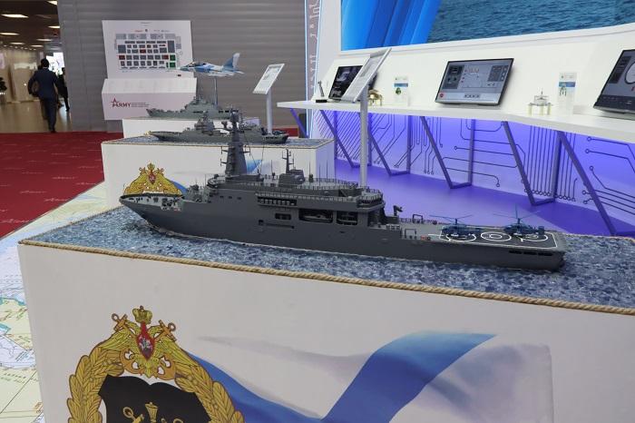 Эволюция десантных кораблей на стенде ВМФ России