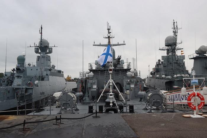 """Корабли Балтийского флота во время статического показа форума """"Армия-2021"""" в Кронштадте"""