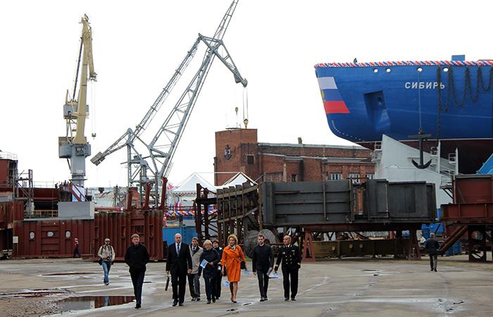 Спущен наводу ледокол «Сибирь» изметалла ММК
