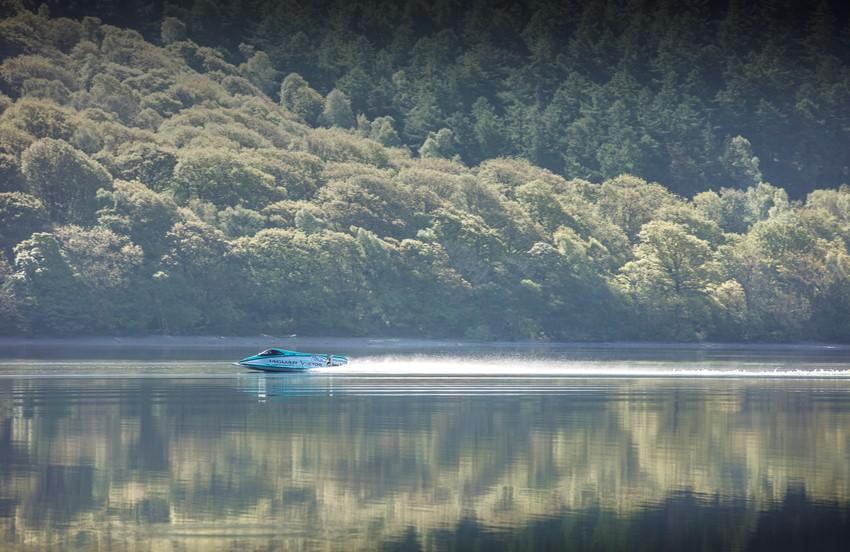 Ягуар Вектор V20E побил рекорд электрических катеров поскорости