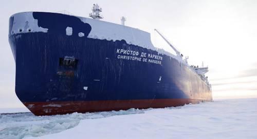Танкер спервой партией русского газа прибыл вбританский порт