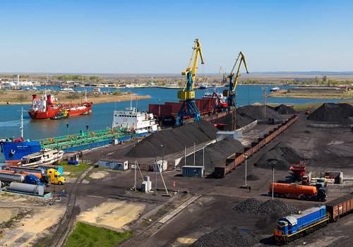 Грузооборот арктических морских портов вырос практически наполовину