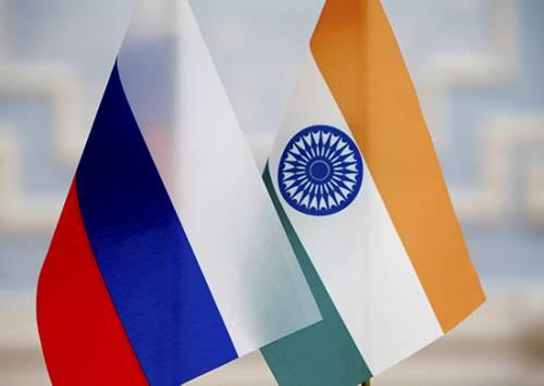 Индийский фрегат «Таркаш» прибыл вПетербург для участия впараде ВМФ