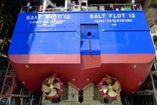 Михаил Бабич принял участие в праздничной церемонии спуска наводу нефтеналивного танкера